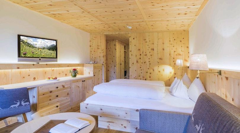 Comort double room pine